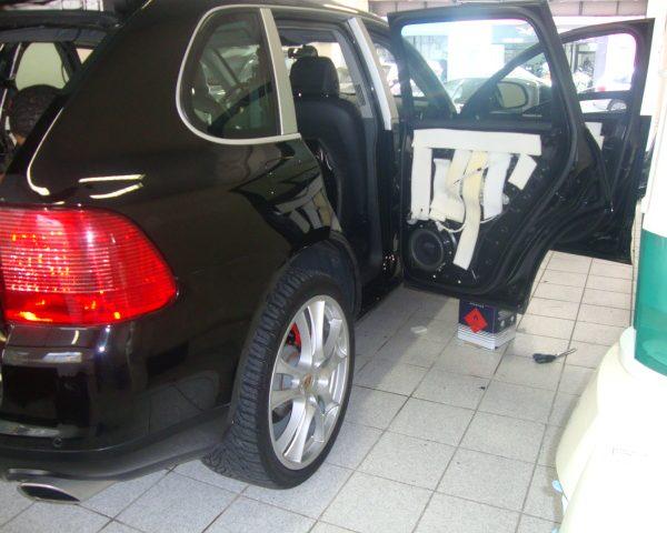 Porsche Cayenne (2)